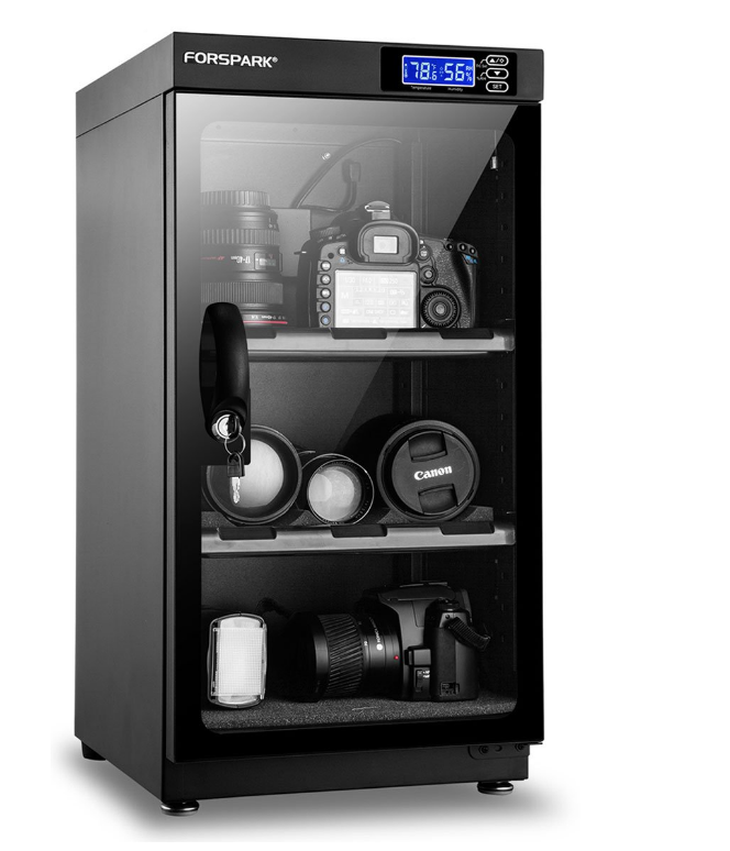 An image showing the capacity of the FORSPARK 50L dehumidifying dry camera cabinet